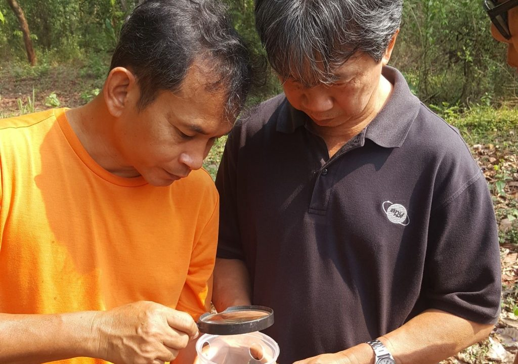 SIT Experts (Wanitch and Todsapon) on the field at Trok Nong, Chantaburi